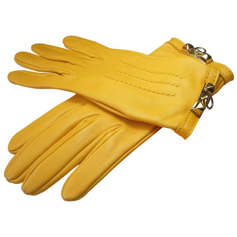 Hand Gloves for Gorilla trekking in Uganda