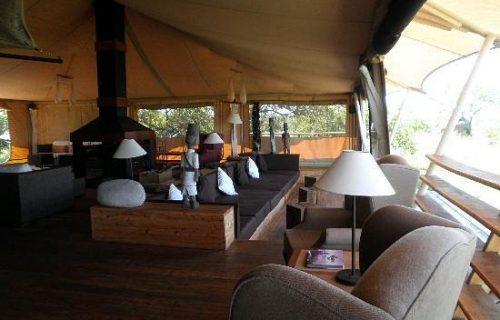 dining tent with bar Serengeti Bushtops Camp