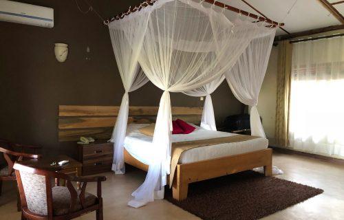Pakuba safari Lodge 10 Days Tanzania and Uganda Safari