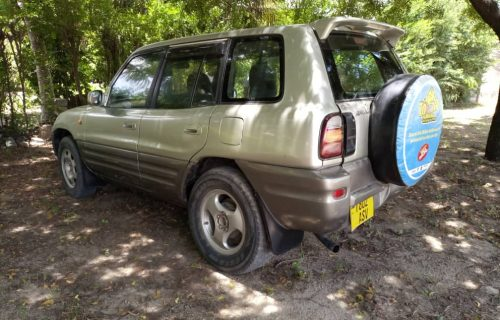 Toyota RAV-4 Tanzania